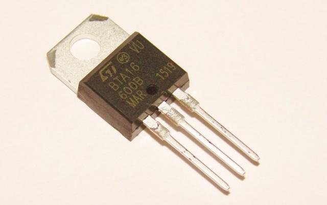 Симистор BTA16-600