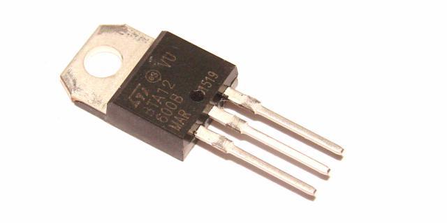 Симистор BTA12-600B