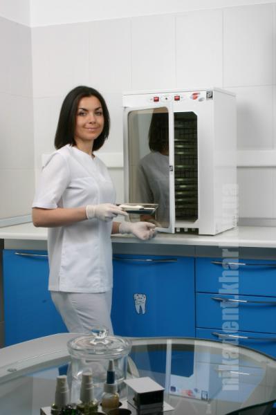 Фото Для стоматологических клиник, Мебель медицинская и УФ-камеры. Панмед-10С (УФ камера для хранения стерильного инструмента)