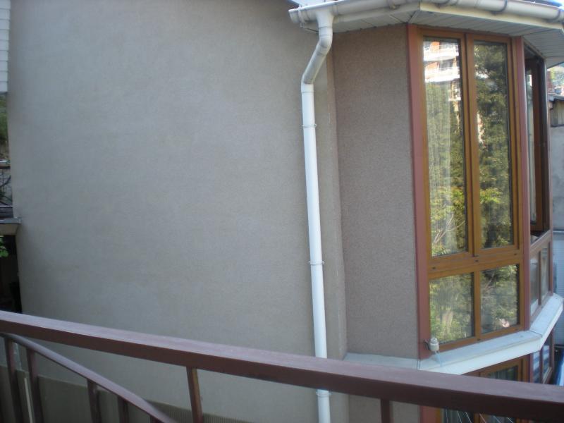 Фото  05 Аренда Ялта: 2-х комнатные  двухуровневые апартаменты  с двумя санузлами