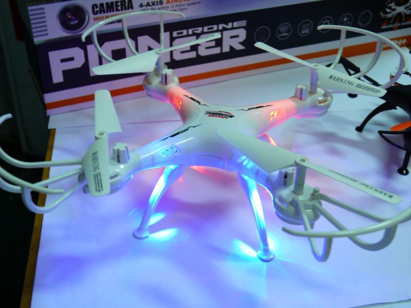 Квадрокоптер XS803 с автовозвратом, подсветкой 32х32 см.
