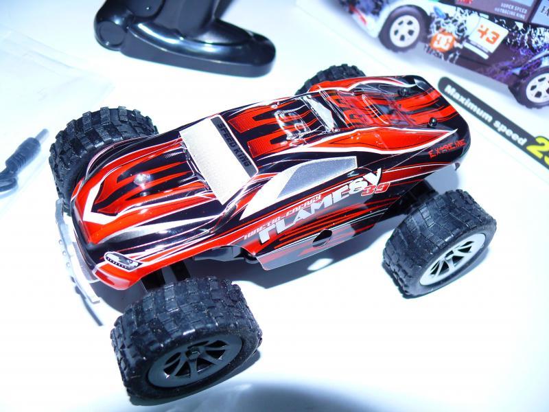 Машинка WlToys A999. Размер 15х10х7 см. Красная