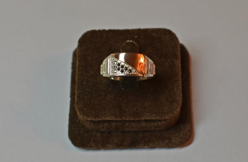 кольцо мужская печатка 12