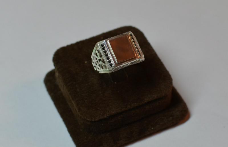 кольцо мужская печатка 15