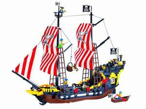 Конструктор Пиратский корабль Brick 308 , 870 деталей