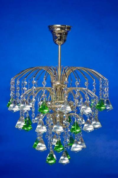 Брызги шампанского с зелёной пирамидкой
