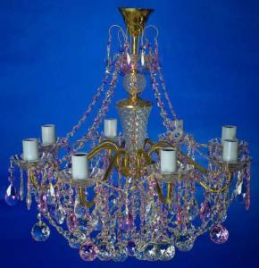 Фото Латунные люстры с хрустальными подвесками Латунная люстра с хрустальными подвесками, розовая