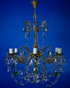 Фото Бронзовые люстры с хрустальными подвесками Бронзовая люстра с хрустальными подвесками, зелёная