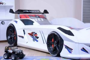 Фото КРОВАТИ-МАШИНЫ ИЗ ПЛАСТИКА Кровать-машина «Jaguar/Speedy Boy», цвет белый