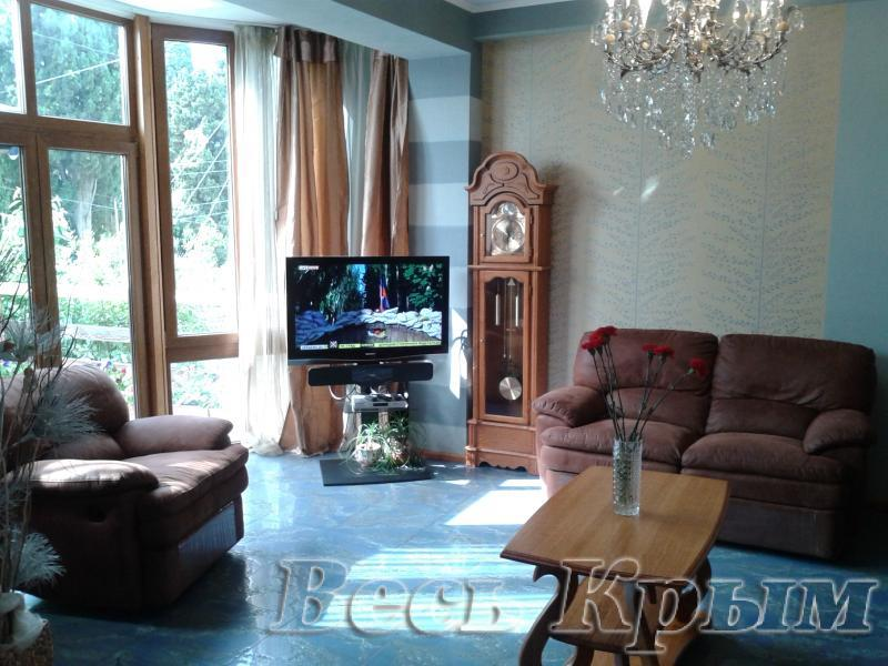 06 Аренда Ялта: 2-х комнатные апартаменты с отдельным входом и большой террасой Жилье для отдыха в Крыму
