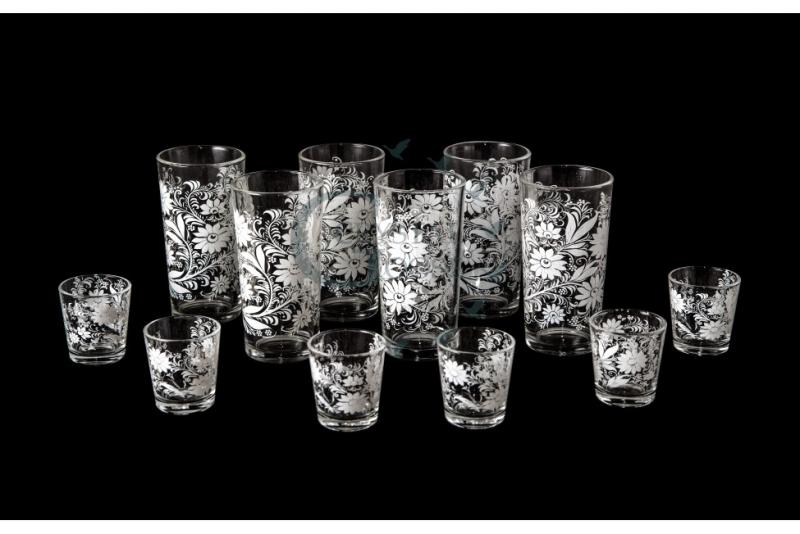 Набор из 12 предметов: стакан и стопка. Белые цветы