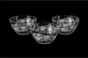 Фото Салатники Набор из трех маленьких салатников. Белые цветы
