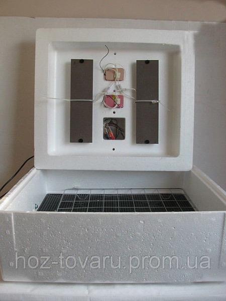"""Инкубатор для яиц """"Несушка"""" на 77 яиц с автоматическим переворотом (цифровой терморегулятор)"""