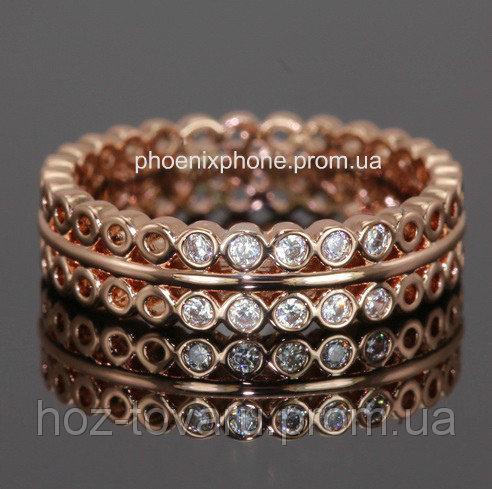 Кольцо с фианитами, покрытое золотом (109130)