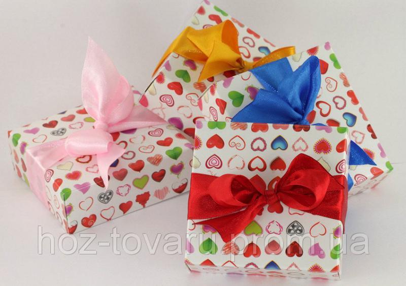 Картонная подарочная коробочка с ленточкой (910080)