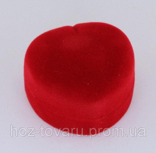 Бархатная подарочная коробочка в форме сердца (900140)