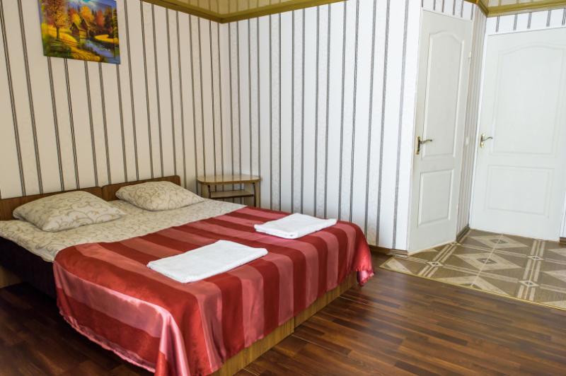 Жильё с хорошим ремонтом, Феодосия! 2-х местный комфорт с открытым балкончиком!
