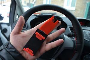 Фото  Держатель для телефона на руль