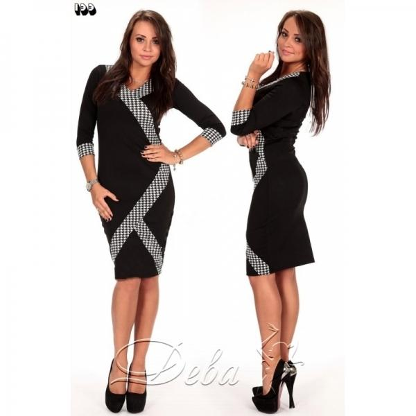 Платье из трикотажа с декольте №133