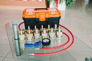Оборудование для ремонта газомасляных амортизаторов 12 шт.