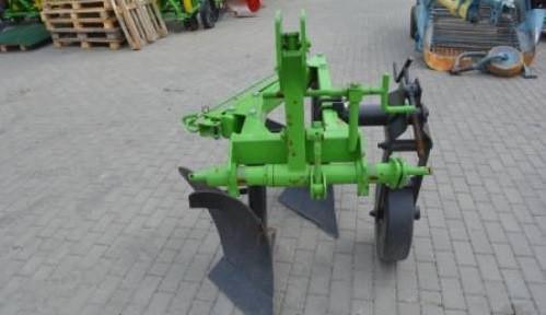 Плуги на трактора навесные 30х2 корпусные (Agromech)