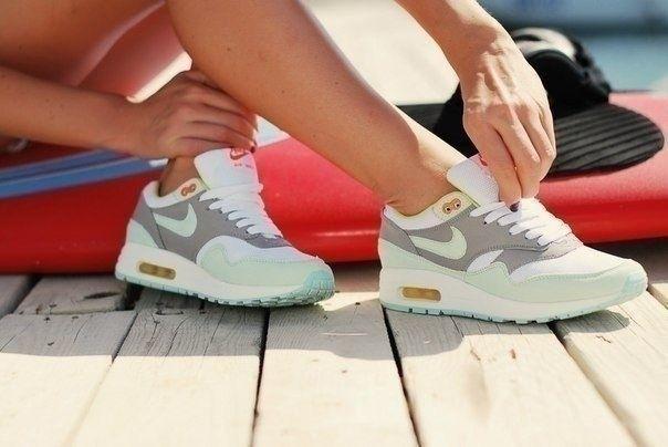 Nike Air Max 87 Premium