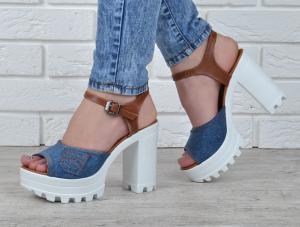 Фото  Босоножки женские джинсовые на каблуке Ersax темно-синие с коричневым