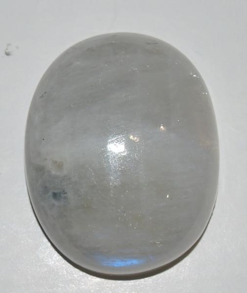Кабошон лунный камень 28х22х9 мм