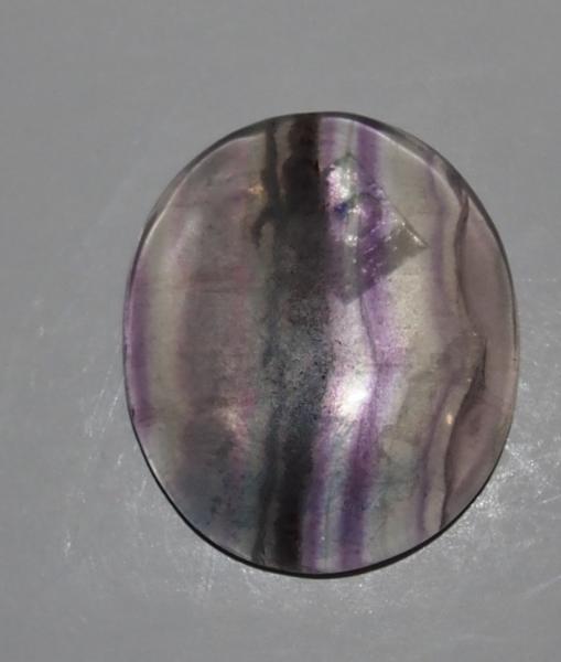 Кабошон флюорит 30х26х6 мм