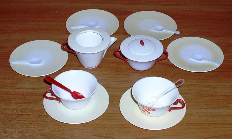 Набор посуды игрушечный *6041