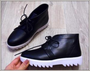 Фото БОТИНКИ, БОТИЛЬОНЫ Стильные ботинки на тракторной подошве
