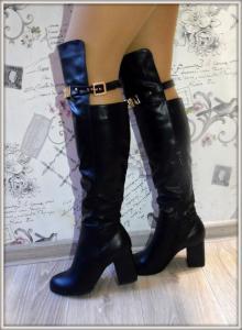 Фото САПОГИ, БОТФОРТЫ Стильный сапог на каблуке Moschion