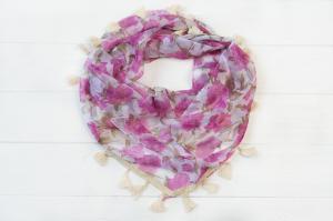 Фото Платки Косынка Вкусняшка розы фиолетовый
