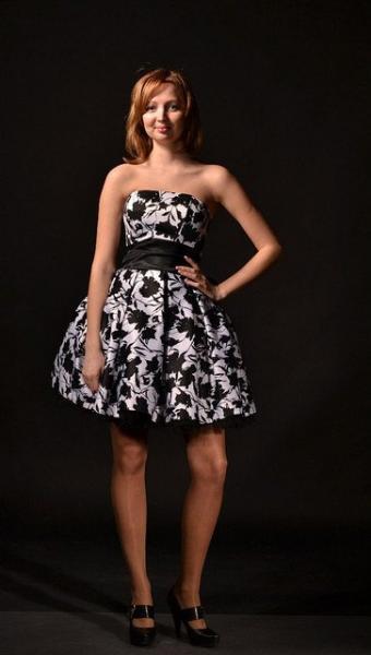 Платье короткое пышное на корсете
