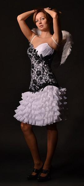 Платье на корсете с роскошной вышивкой