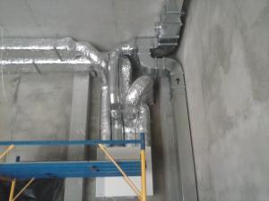 Фото Монтаж вентиляции Монтаж приточно-вытяжной установки. Обвязка воздуховодами.