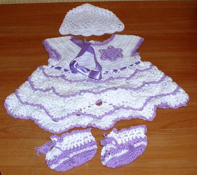 Комплект детский девичий, вязаный крючком: платье, чепчик, пинетки *6309