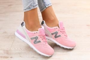 Фото Женские Кроссовки New New Balance Женские кроссовки, замшевые, розовые, с серыми вставками