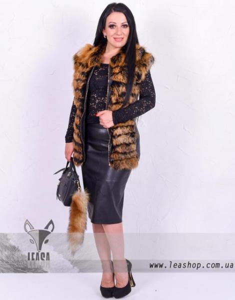 Женская кожаная жилетка с мехом лисы натуральная