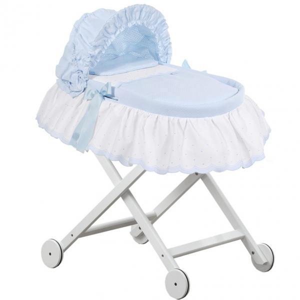 Мебель для детской комнаты включающая люльку с бельем, капор, подставку