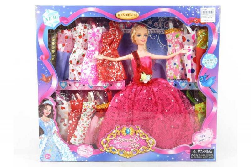 Кукла с нарядами в коробке
