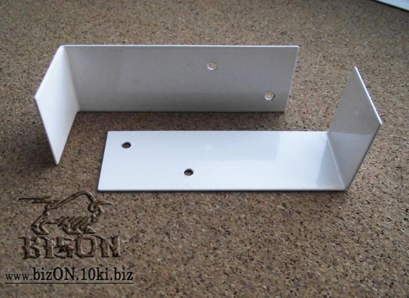 Фото Решетки ПВХ и Экраны ХДФ (МДФ) для радиаторов отопления и декора Кронштейн для крепления экранов на чугунные радиаторы (комплект)