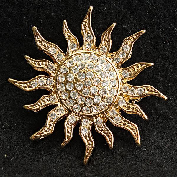 [45/45 мм] Брошь желтый металл Солнце яркая с переливающимися на солнце стразами