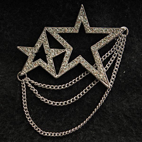 [48/60 мм] Брошь темный металл со стразами две звезды, соединенные цепочками