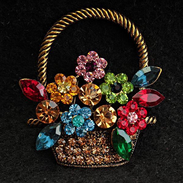 [45/40 мм] Брошь медного цвета корзина с цветами в разноцветных камнях