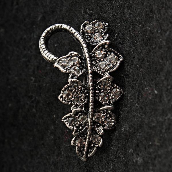 [15/30 мм] Брошь мини металл под капельное серебро листик со стразами
