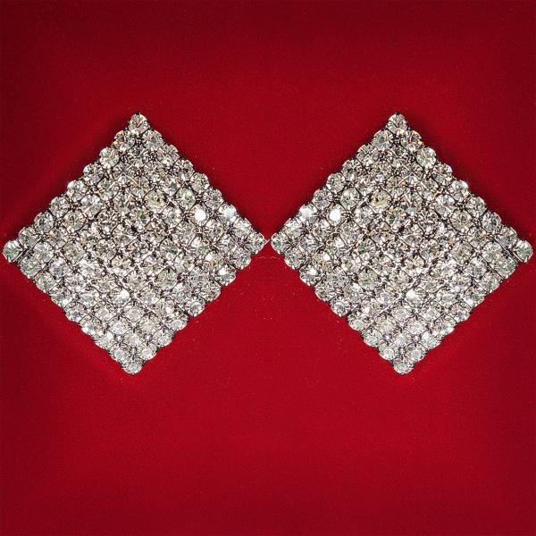 Акция Серьги женские белые стразы светлый металл свадебные вечерние гвоздики (пуссеты) ромб крупные