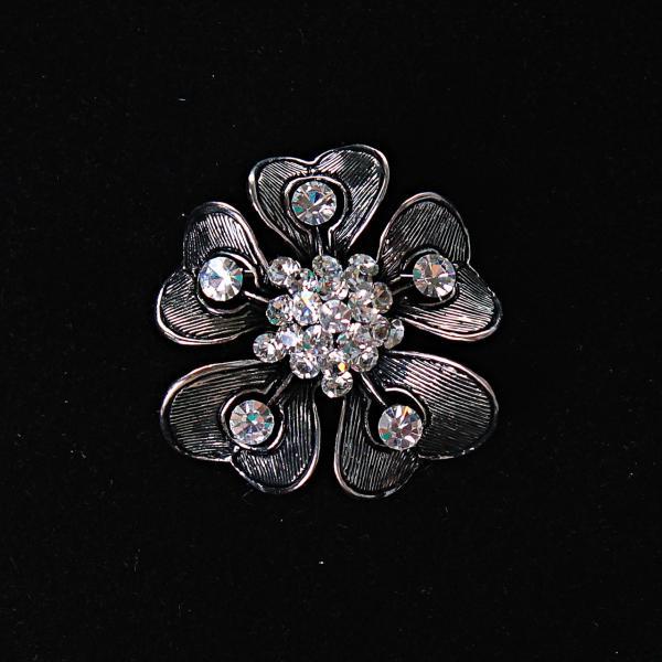 [35/35 мм.] Брошь Цветок с лепестками-сердечками и белыми стразами , металл серый темный