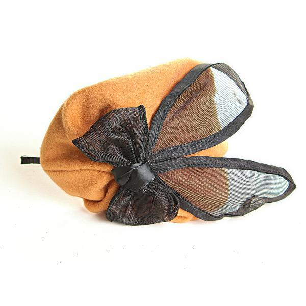 Обруч на голову шляпка бежевая с чёрным атласным бантом, 12см
