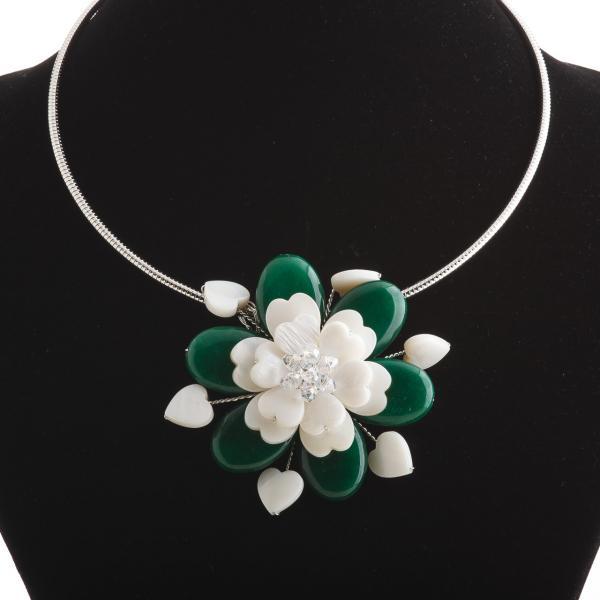 Колье на обруче зеленый Цветок перламутр и натуральный агат  Ø 6см